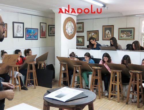 Kayserideki Anadolu Resim Kursları Atölyeden Çalışan Öğrencileri Videoları