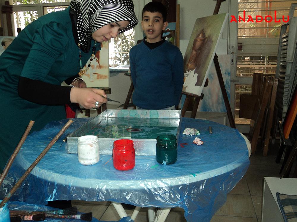 Yetişkinlerle Ebru Sanatı Dersleri Çukurovada