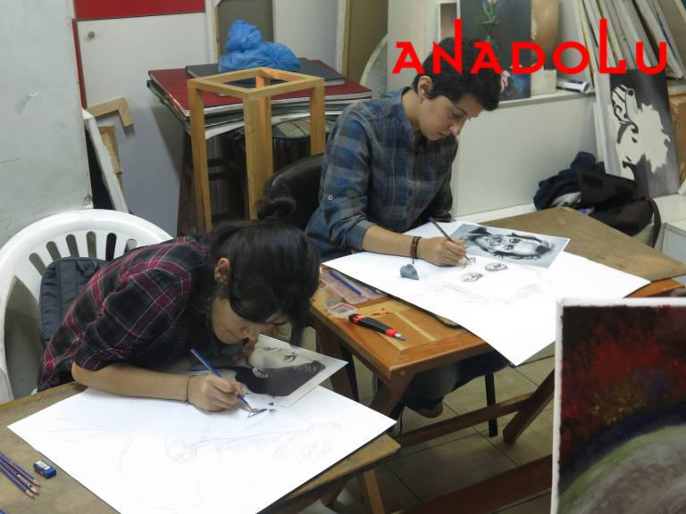 Karakalem Potre Çalışan Çocuklar İzmir
