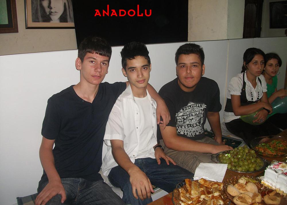 Kayseride Anadolu Güzel Sanatları Lisesini Kazanan Öğrenciler