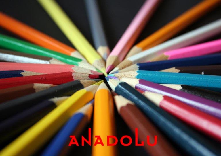 Çukurovada renkli resim kalemler