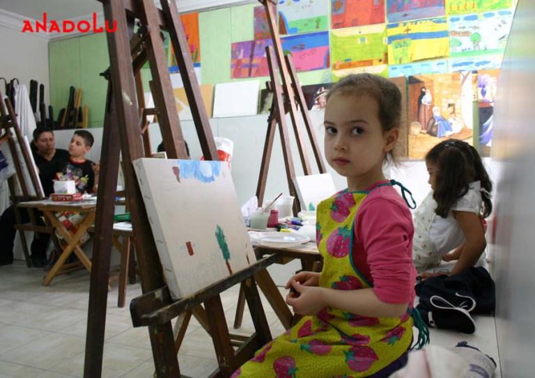 Yağlı Boya Çalışması Yapan Çocuklar Çukurovada